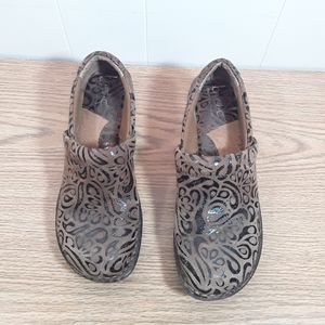 Born on Concept leather toole size 6